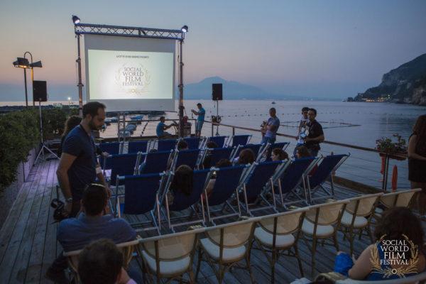 Proiezioni sul mare – SOCIAL WORLD FILM FESTIVAL